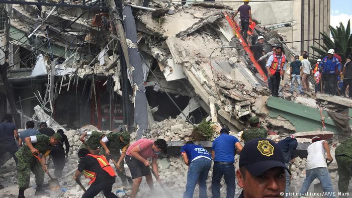 Число жертв землетрясения в Мексике увеличилось до 248 человек