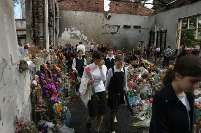 Россия выплатит 3 млн евро пострадавшим при теракте в Беслане