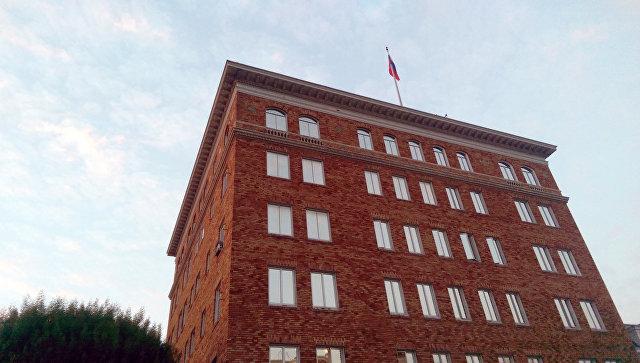снятые с дипломатических представительств РФ флаги