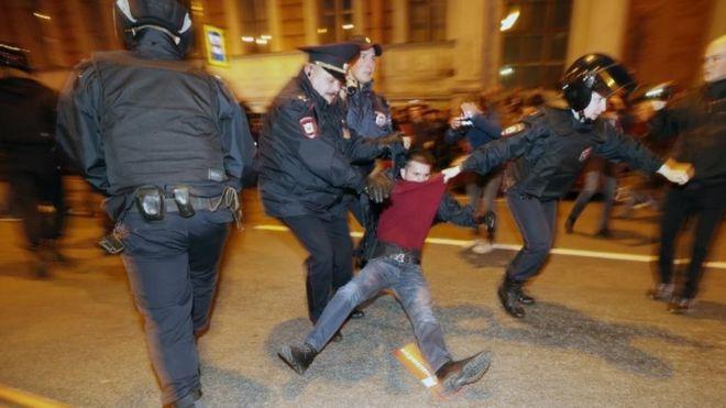 7 октября по России задержаны 290 человек