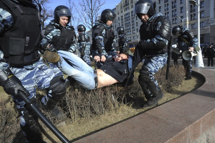Кчему приведет идея МВД подвергать наказанию родителей— Протестующие школьники