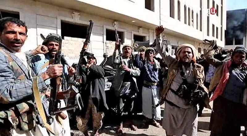 Президент Йемена призвал население оказывать сопротивление хуситам