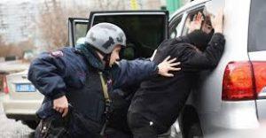 Росгвардия заявила о праве бойцов не представляться и досматривать телефоны