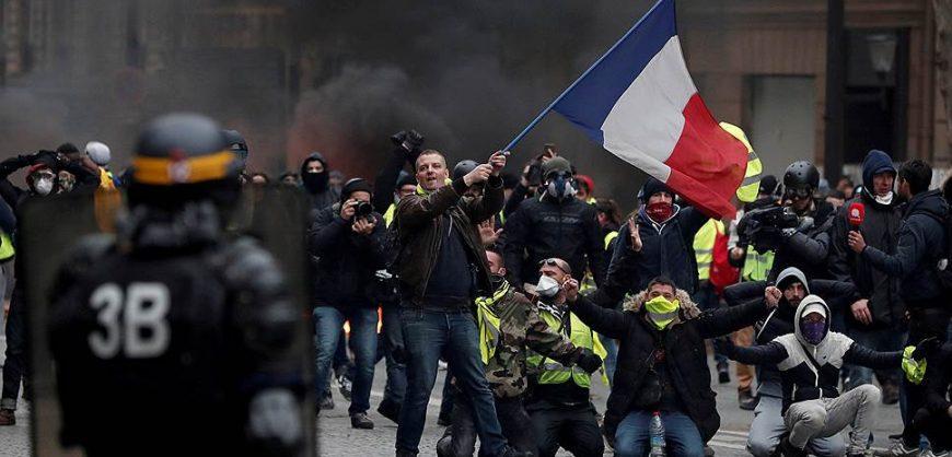 В Париже возобновились протестные акции «жёлтых жилетов»