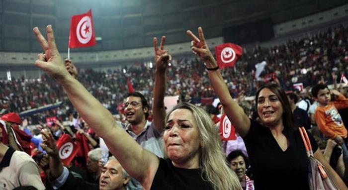 Тунис проголосовал против власти