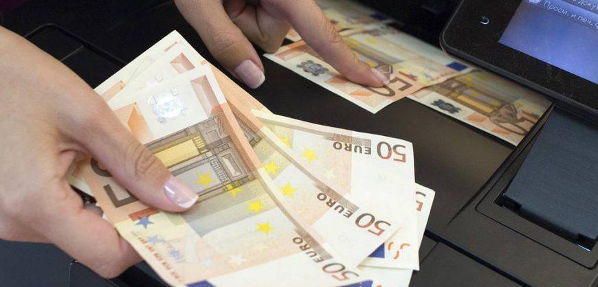 Российские банки отказываются от вкладов в евро