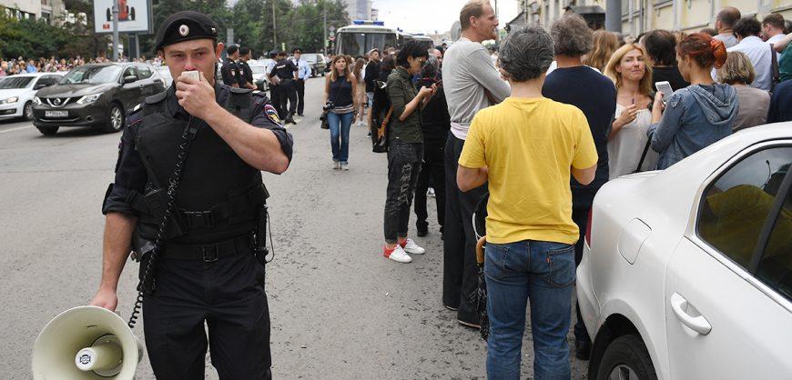 Полиции разрешили выносить предостережения гражданам
