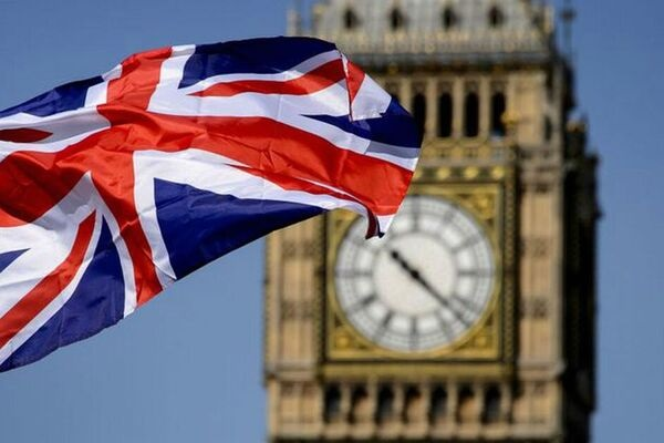 Британия заподозрила девятерых россиян во вмешательстве в свою политику