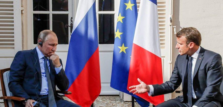 Макрон описал три сценария развития России