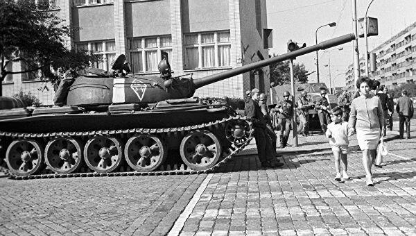Сенат Чехии одобрил закон о Дне памяти жертв вторжения 1968 года