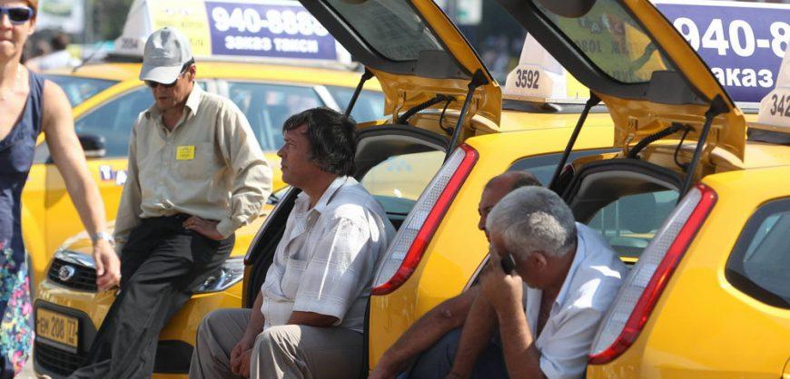 В Госдуму внесен законопроект об ответственности агрегаторов такси