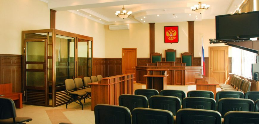 В Москве и Петербурге из-за сообщений о минировании эвакуируют суды