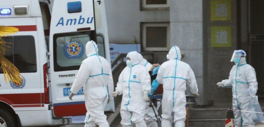 В Китае коронавирусом заразились уже больше 2 тысяч человек