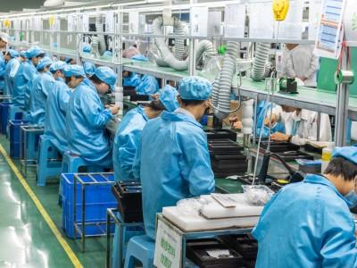 Поставки смартфонов из Китая в Россию приостановлены из-за коронавируса