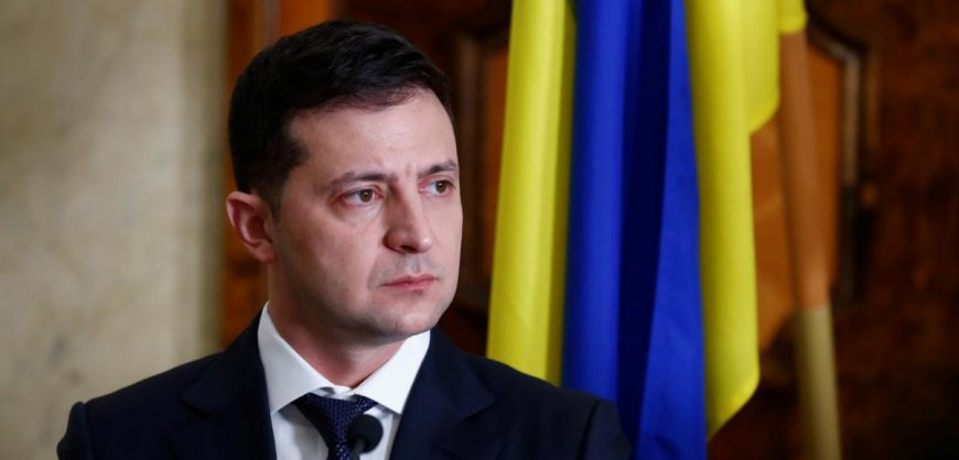 Зеленский заявил о намерении провести выборы на Украине и в Крыму в октябре
