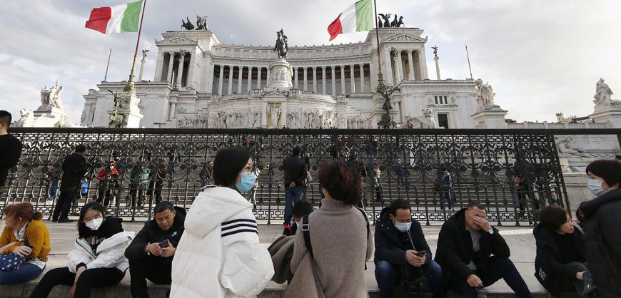 Италия ввела каратин в 12 городах из-за коронавируса