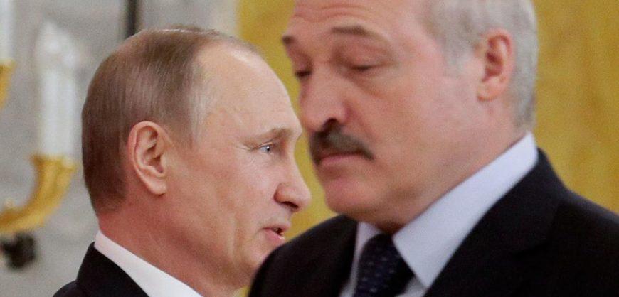 Лукашенко заявил о намеках Москвы на присоединение Белоруссии к РФ