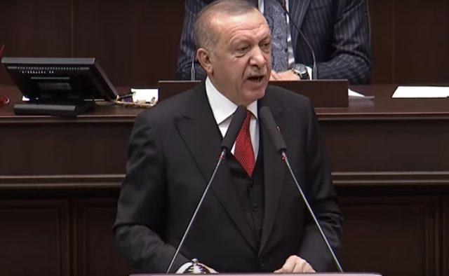 Эрдоган пригрозил сбивать все самолеты над Идлибом