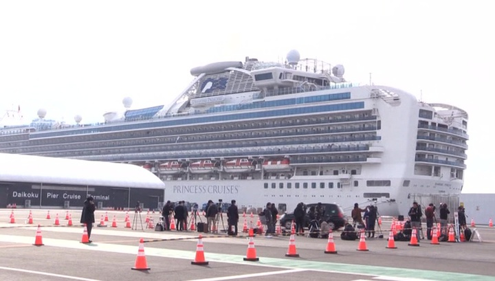 Борт МЧС доставил на родину россиян с зараженного коронавирусом лайнера Diamond Princess