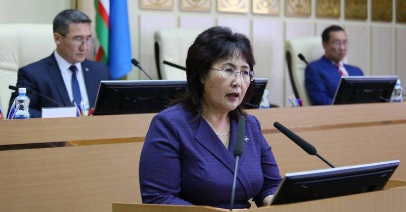 Якутский депутат сдала мандат в знак протеста против путинских поправок
