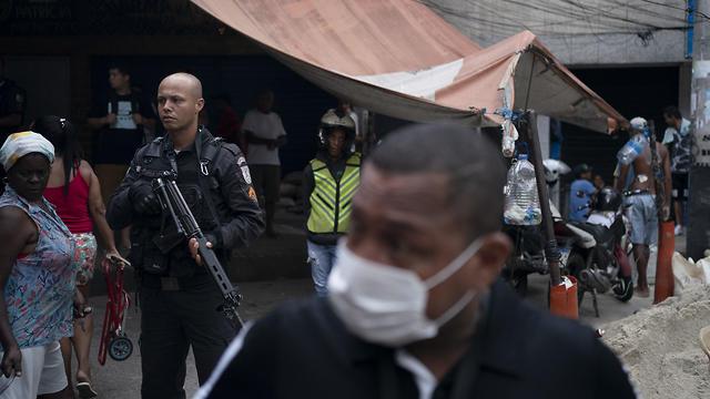 Бразильская мафия ввела комендантский час против коронавируса