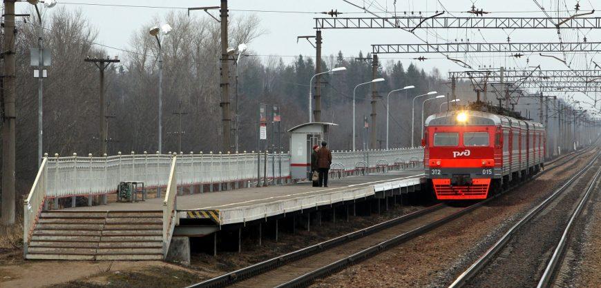 Между Ленобластью и Петербургом отменили сотню электричек