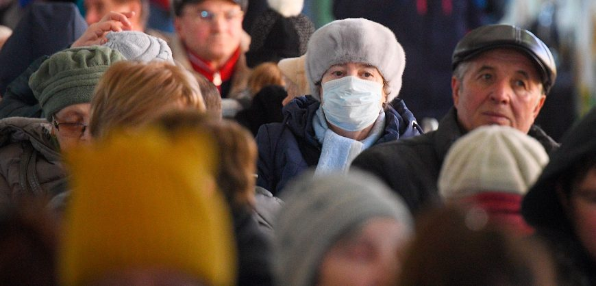 Вирусолог спрогнозировал пик эпидемии коронавируса в России
