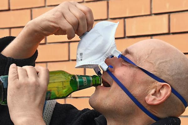 Минпромторг выступил против ограничения продажи алкоголя во время режима самоизоляции