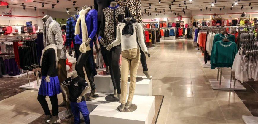 Производители и продавцы одежды и обуви просят включить отрасль в список пострадавших от пандемии