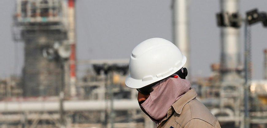 Bloomberg: цены на нефть обвалились на новостях о намерении России увеличить добычу