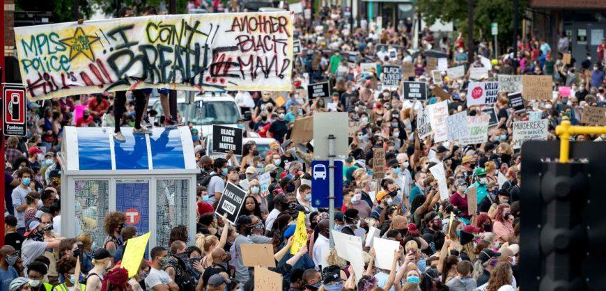 Бунт в Миннеаполисе из-за смерти афроамериканца перекинулся на Лос-Анджелес