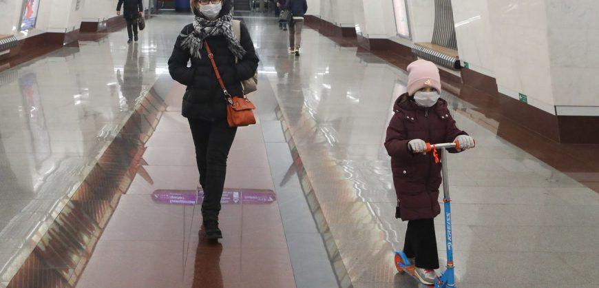 В Петербурге с 12 мая вводится масочно-перчаточный режим