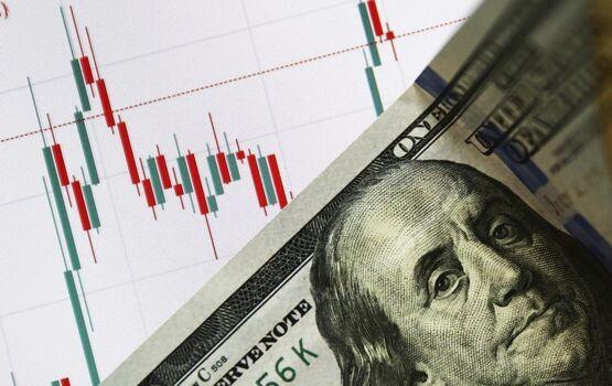 Доллар взлетел выше 70 рублей, евро преодолевал отметку в 79 рублей