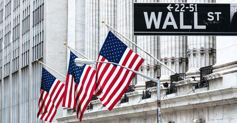 Эксперты: американская экономика вошла в рецессию