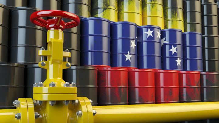 Добыча нефти в Венесуэле из-за санкций США упала до уровня 1945 года