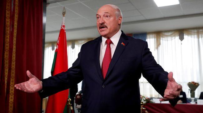 «Кто-то набьет карманы, а вы с кастрюлями будете ходить»: Лукашенко предупредил о последствиях переворота