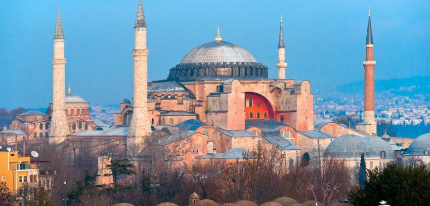 Патриарх Кирилл призвал Турцию сохранить музейный статус Святой Софии