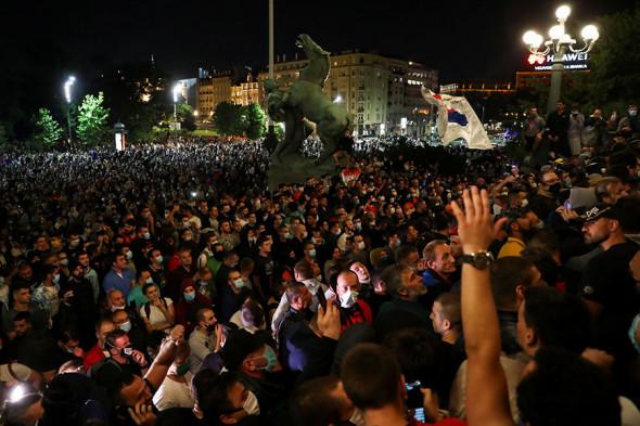 МИД назвал «заказухой» обвинения России в беспорядках в Сербии