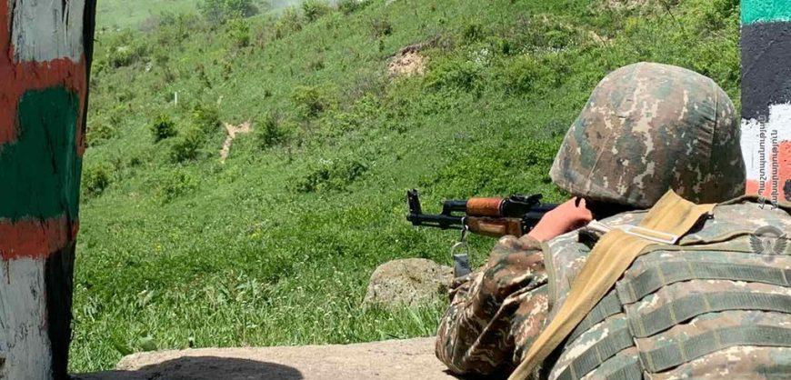 На границе Армении и Азербайджана продолжился военный конфликт