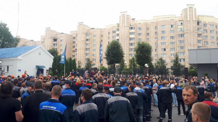 К забастовке в Белоруссии присоединился МАЗ и другие крупные заводы