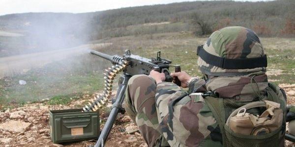 Азербайджан обвинил Армению в пулеметных обстрелах в зоне конфликта