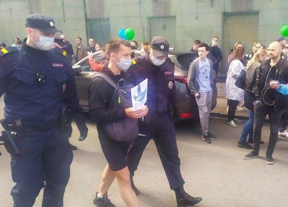 На акциях в поддержку хабаровчан в российских городах были задержаны 55 человек в 10 городах