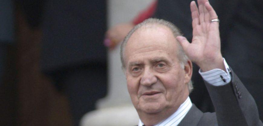 Бывший король Испании Хуан Карлос I покинул страну на фоне обвинений в коррупции