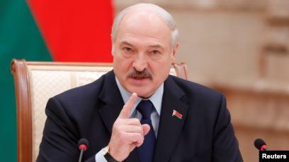 Лукашенко предложил «самому народу» изменить конституцию страны «не на улицах и площадях»