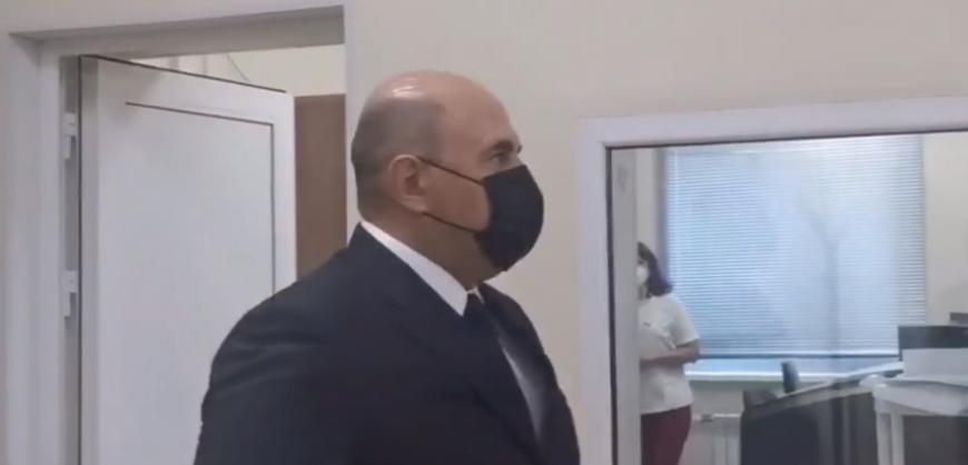 Мишустина выгнали из кабинета МРТ
