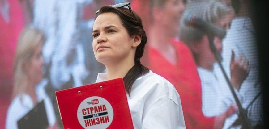 Тихановская заявила о своей победе на выборах и потребовала от Лукашенко мирной передачи власти