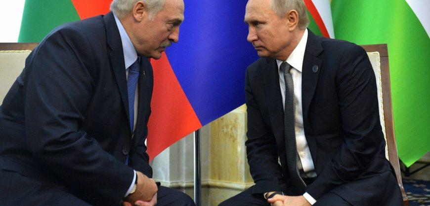Лукашенко решил обсудить с Путиным ситуацию в Белоруссии