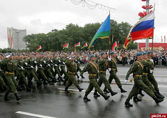 В Белоруссию на военные учения прибыли 300 десантников из Псковской дивизии