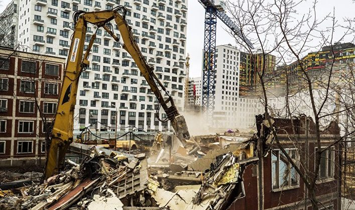 «Ъ»: в Госдуму внесен законопроект, позволяющий сносить неаварийные дома для «обновления среды»