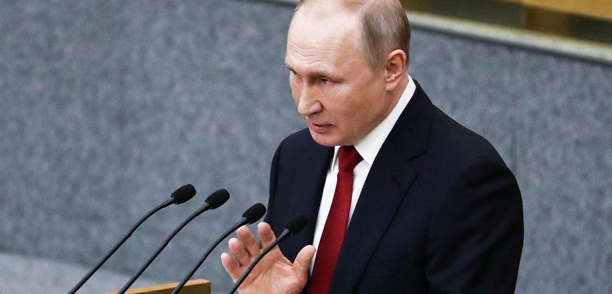 Путин внес в Госдуму законопроекты о правительстве, силовиках и судах